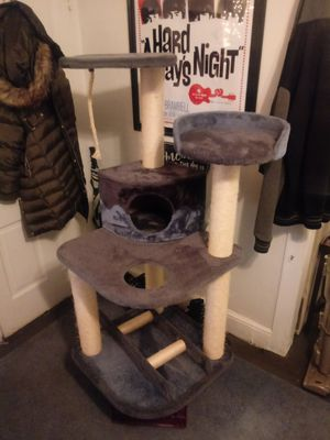 Cat tree for Sale in Harpers Ferry, WV