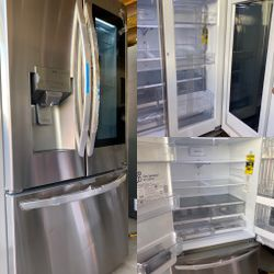NEW OUT OF BOX LG KNOCK KNOCK INSTA VIEW STAINLESS STEEL REFRIGERATOR WITH DOUBLE ICE MAKER for Sale in Mission Viejo,  CA