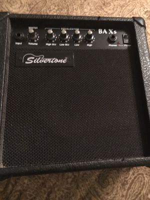 Silvertone Bass Amp 26 Watts for Sale in Grapevine, TX