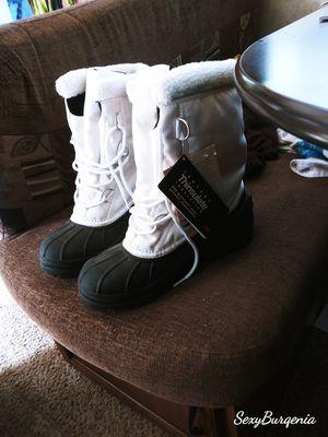Sorels ladies boots for Sale in Southfield, MI