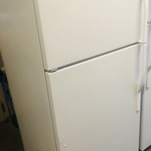 "Kenmore Refrigerator 18 Cu Ft 30""Wide for Sale in Turlock, CA"