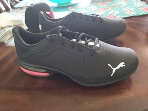 Puma mens Running Shoes Size 12 and Chicago Bulls snapback for Sale in Port Richey, FL
