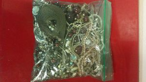 NANNAS VINTAGE JEWELRY BUNDLE for Sale in Mesa, AZ