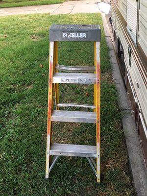 4 foot ladder for Sale in Wichita, KS