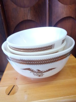 Set of 3 Pyrex mixing bowls for Sale in Kings Mountain, NC