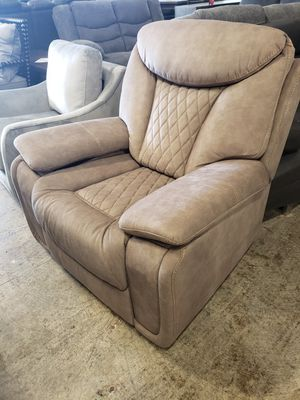 Brand new reclining chair tax included for Sale in Hayward, CA