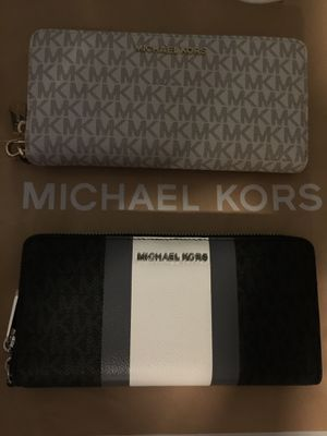 Authentic Michael Kors wallet for women with tag.. $85 Each obo.. Pick up in Van Nuys for Sale in Los Angeles, CA