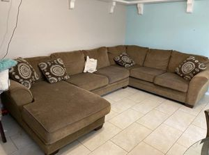 Brown couch for Sale in Houston, TX