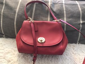 Coach leather faye carryall crossbody purse for Sale in North Riverside, IL
