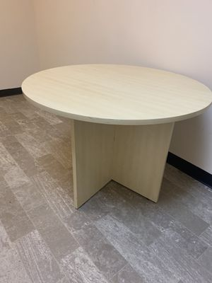 Round light wood table 42 inch for Sale in Palm Shores, FL