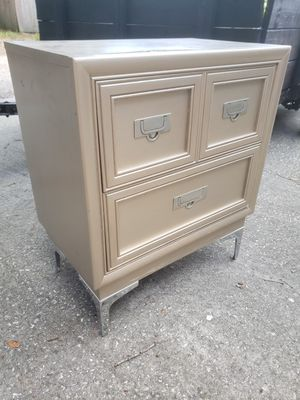 Night stand for Sale in St. Petersburg, FL