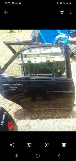 LEXUS IS300 2001 OEM PARTS for Sale in Salinas, CA