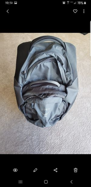 Osprey Meridian Rolling Bag & Backpack 28in - Metal Grey for Sale in Chandler, AZ