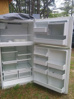 Refrigerador, macroway and diswahaser for Sale in Apex, NC