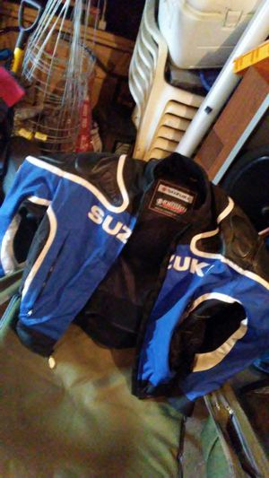 Suzuki motorcycle jacket 2XL for Sale in Berwyn, IL
