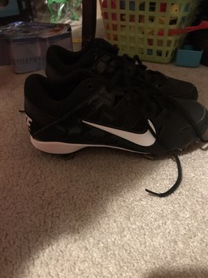 Size 8 metal Nike cleats for Sale in McRae, GA