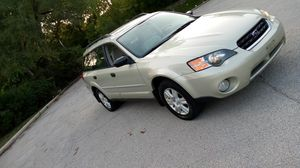A beautiful 2005 Subaru outback all-wheel-drive 121 k private on 5 speed manual serious buyers only car runs like new for Sale in Elmhurst, IL
