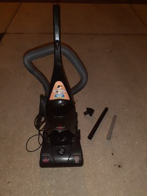 Vaccum bissell for Sale in Tampa, FL