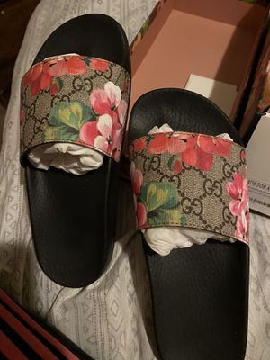 Gucci slides for Sale in Manteca, CA