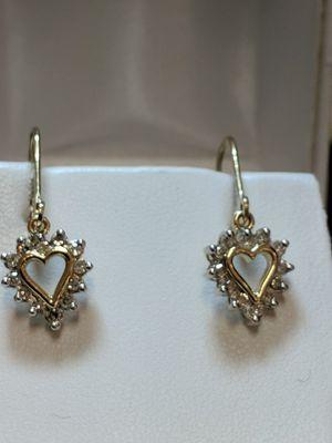 DIAMOND HEART 14K EARRINGS for Sale in Leesburg, VA