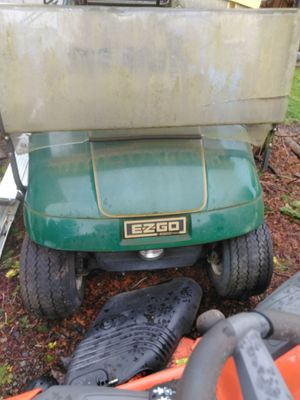 1995 electric golf cart with charger for Sale in Kelso, WA