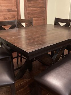 Dining Table-seats 8 for Sale in Tempe,  AZ