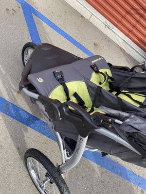 Baby Trend Double Stroller for Sale in Arrowhead Farms, CA