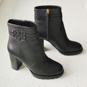 Tory Burch Leigh Lug Sole Leather Boots Booties in Black 7.5 for Sale in Lombard, IL
