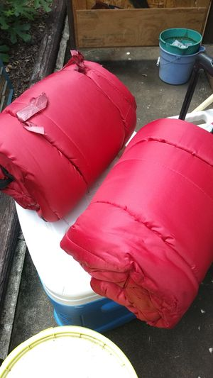 2 sleeping bags for Sale in Pasadena, TX
