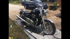 2010 Triumph Thunderbird 1600 Motorcycle with accessories for Sale in Athens, GA