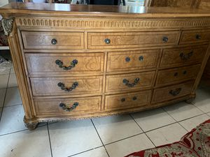 King bed frame dresser with mirrors no mattress for Sale in Miami, FL