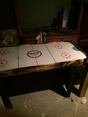 Air hockey table for Sale in Atco, NJ