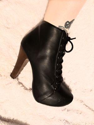 Black lace front chunk heels for Sale in Spokane, WA