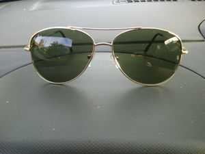 Ray ban sunglasses for Sale in Frostproof, FL