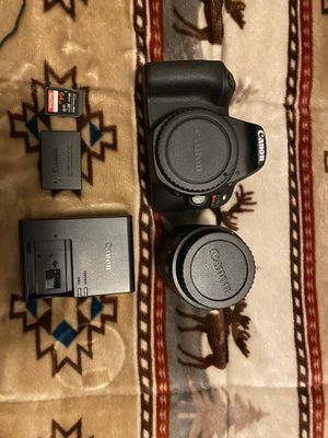 Canon Eos Rebel Sl2 Next to new condition for Sale in Vancouver, WA