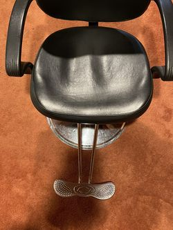 Salon Chair for Sale in Worcester,  MA