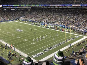 Seahawks vs Ravens Sunday, OCT 20th 1:25 pm $225 OBO for Sale in Auburn, WA