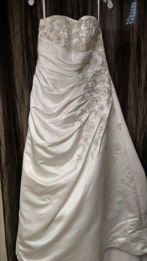 Wedding dress for Sale in Elk Grove Village, IL