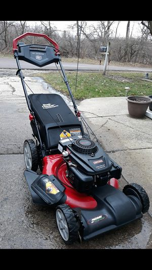 "Craftsman 21"" Inch Self Propelled Lawnmower W/Bag And Pace Control System for Sale in Aurora, IL"