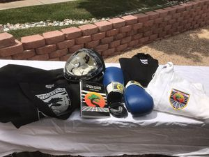 Karate Bag with 1 Black GI/White GI female size medium, Mask, boxing gloves and mouthpiece . for Sale in Henderson, NV
