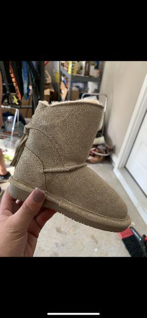 Bearpaw girls boots for Sale in Murfreesboro, TN
