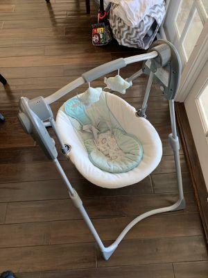 Fisher Price automatic swing for Sale in Orange, CA