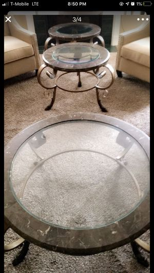 Coffee table and 2 end table set for Sale in Sterling Heights, MI