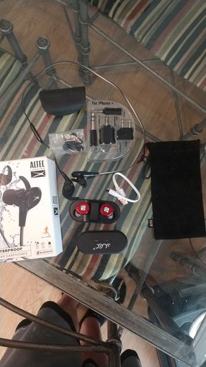 Altec wireless earbuds with charging dock and some extras. for Sale in Galloway, OH