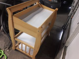 A baby changing table ( no pad ) for Sale in Chicago, IL