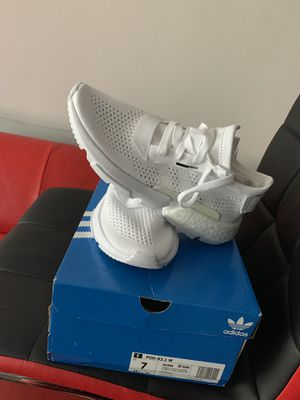 Adidas Size Women 7 for Sale in Hanover, MD