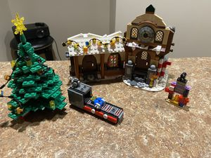 Lego Christmas set with tree for Sale in Hammonton, NJ