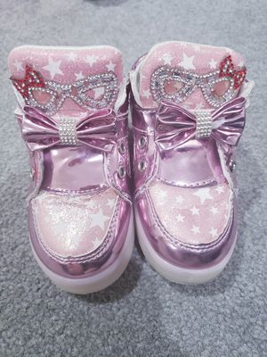 Toddler shiny light up shoes size 5c for Sale in Alexandria, VA