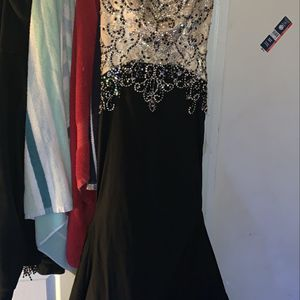 2019 Morilee Black Long Train Prom Dress With Rhinestones. Size 2 for Sale in Philadelphia, PA