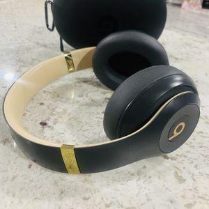 Apple Beats by Dr Dre Studio 3 Wireless Headphones Shadow Gray for Sale in Los Angeles, CA